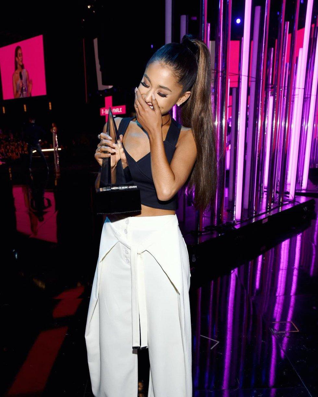 American Music Awards: Selena Gómez reaparece en los AMAs