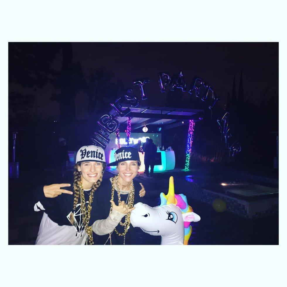 1484642806 071715 1484643457 album normal - Así fue la fiesta de cumpleaños que Miley Cyrus organizó para Liam Hemsworth