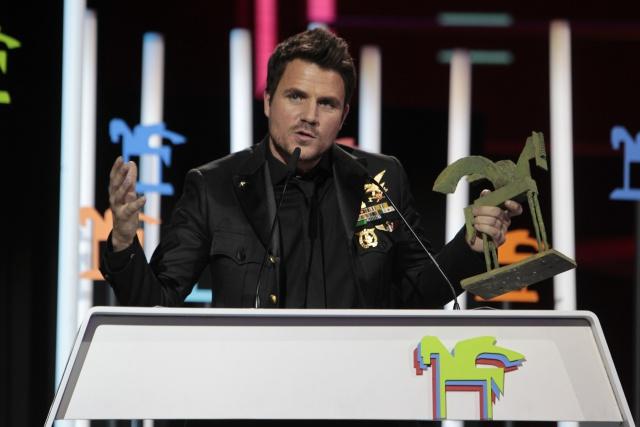 El cantante elige el programa de Xavi Martínez para dar las gracias a sus fans