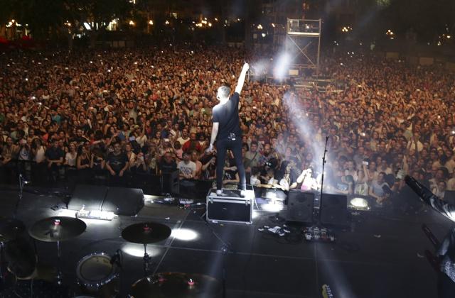 Más de 20 mil personas vivieron más de cuatro horas de música en pleno centro de Valencia con Polock, Dorian, Fangoria y más