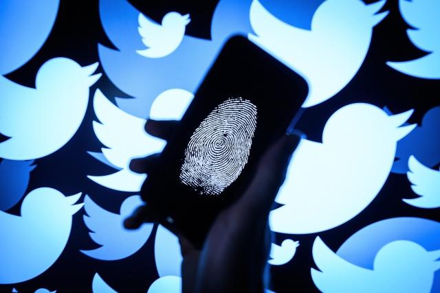 El primer mensaje de Twitter con # (almohadilla) cumple una década