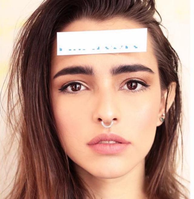 Lucía Vives es artista, modelo y activista