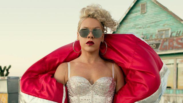 La cantante estadounidense, que se sentía ignorada por las radios por su edad, lidera nuestra lista