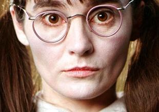 ¿Te acuerdas de Myrtle la Llorona de Harry Potter? Mira cómo está ahora