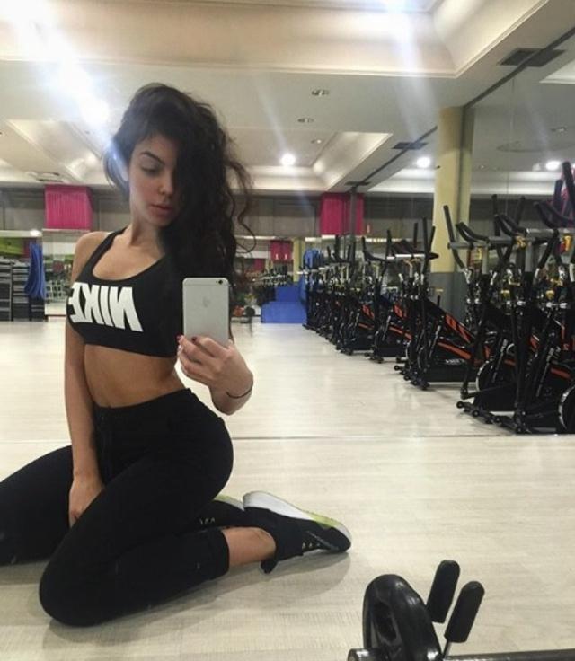 Hay quien ha criticado que haga ejercicio poco después de dar a luz