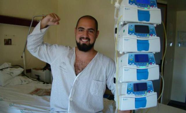 Marcos Rosa, el joven onubense enfermo de leucemia, recibe el apoyo de su ídolo en directo