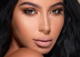 La gemela de Kim no se apellida ni Kardashian ni Jenner