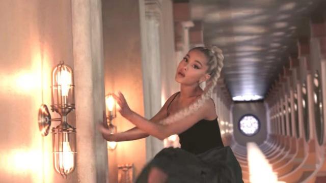 En su último videoclip
