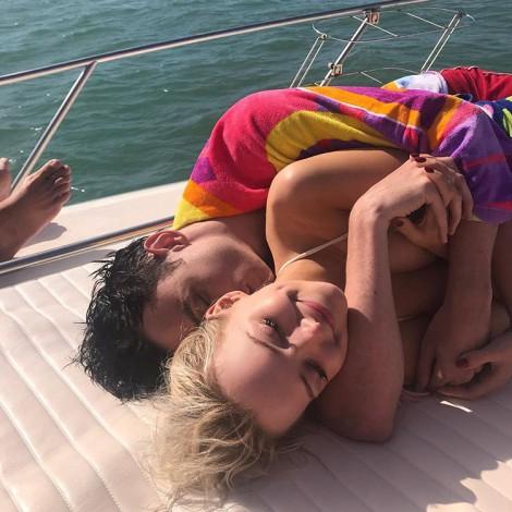 El amor es para el verano... lo confirman estas parejas de celebs
