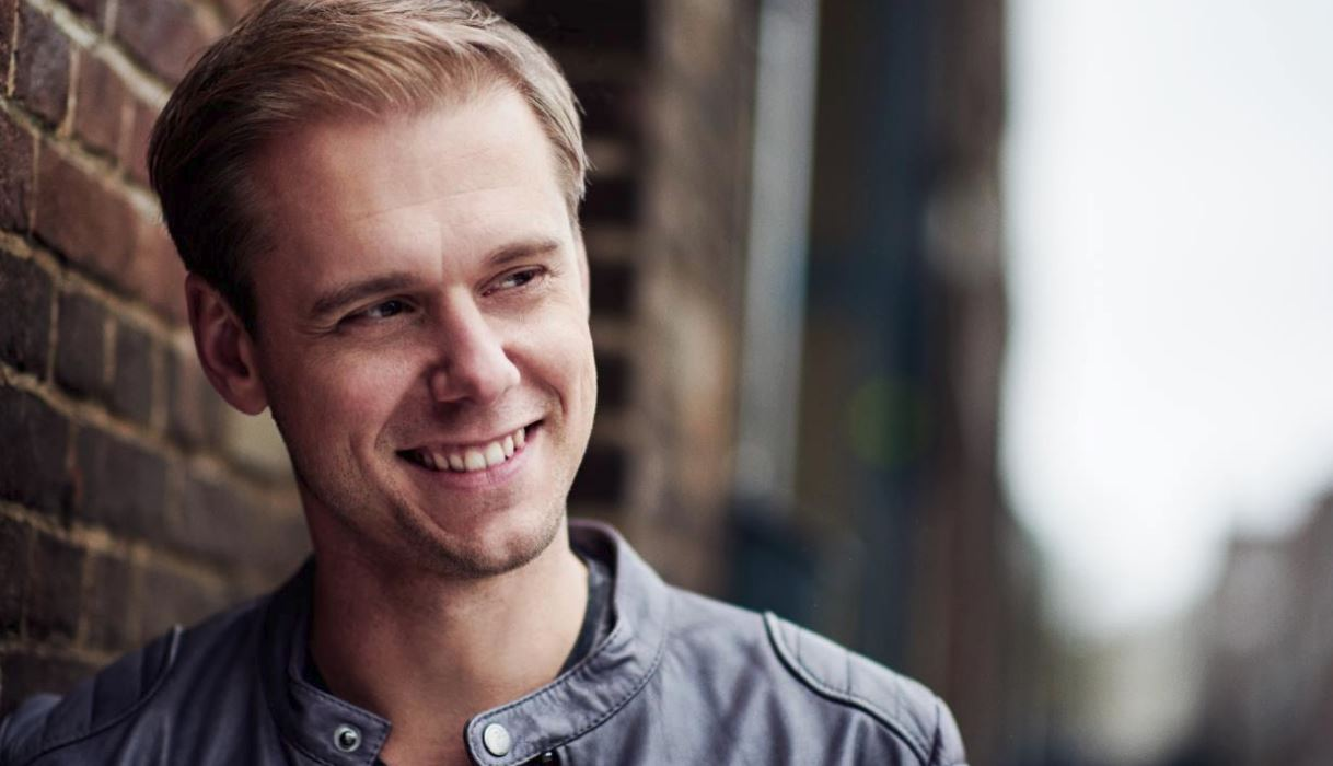 Maxima 51 Chart: Nº1 Armin Van Buuren