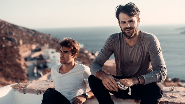 Maxima 51 Chart: Nº1 The Chainsmokers Ft. Coldplay - Something Just Like This.