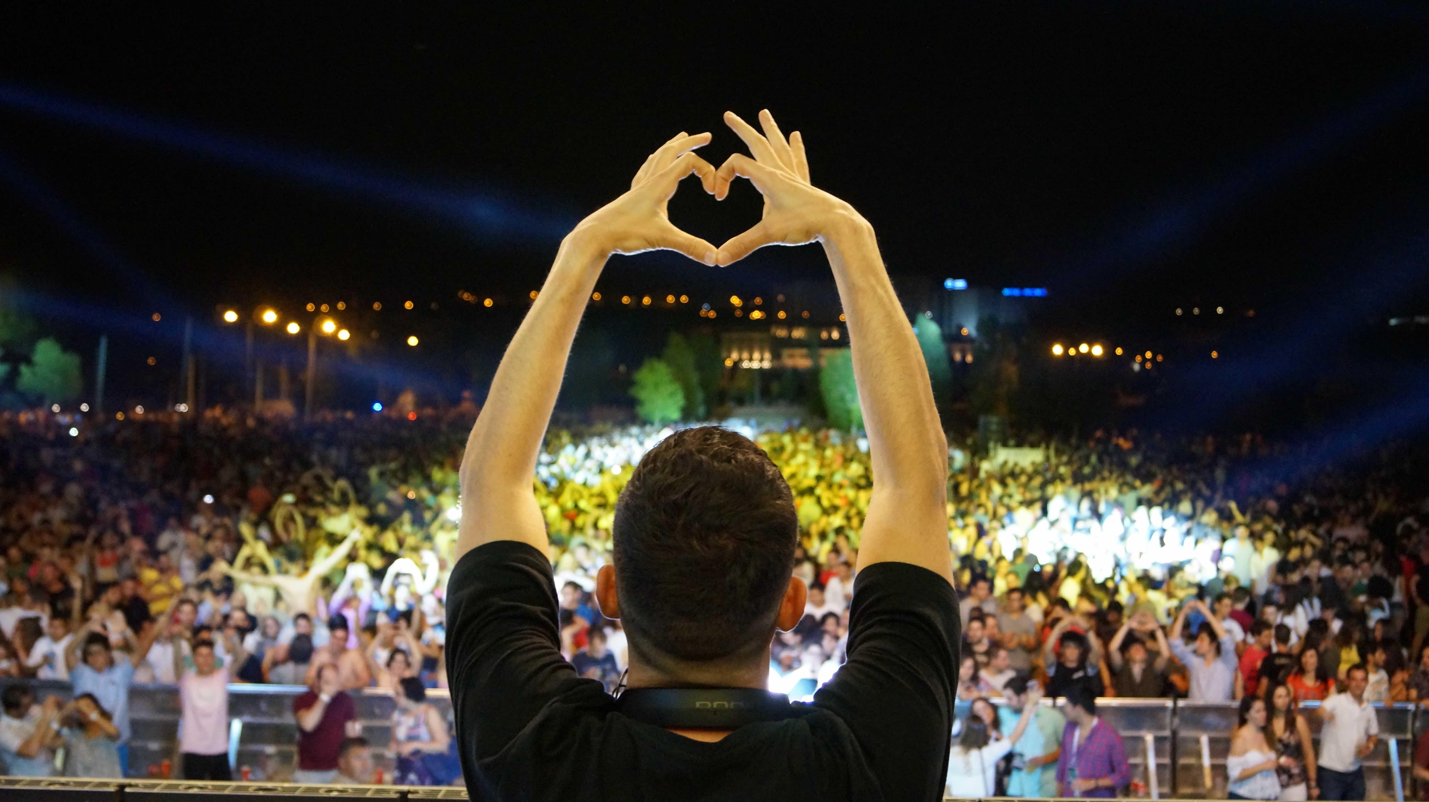 Día Internacional del DJ: ¡10 curiosidades que puede que no sepas de tus artistas!