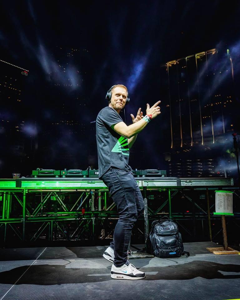 Armin Van Buuren Nº1 en Maxima 51 Chart